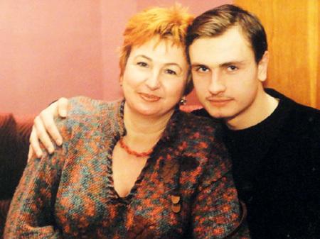 Галина Коньшина с сыном на фото