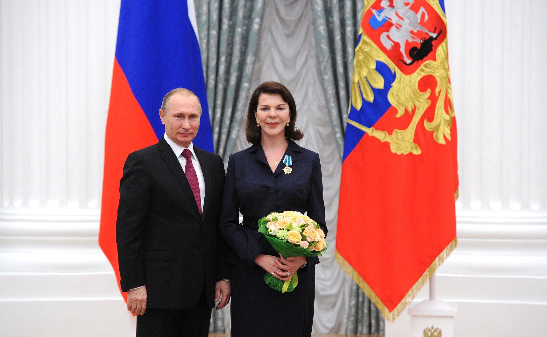 На фото Владимир Путин и Консуэло Де Авиланд