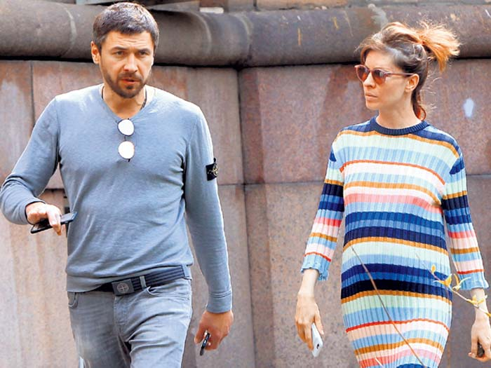 Елена Подкаминская и ее муж Денис Гущин в фото