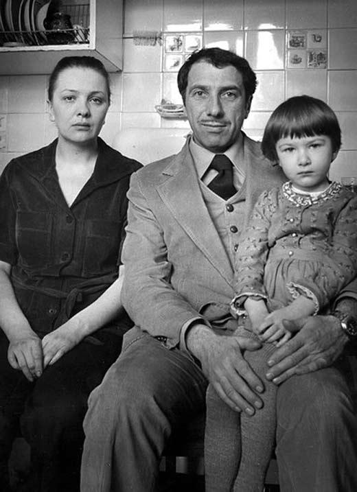Наталья Тенякова, Сергей Юрский и их дочь в фото