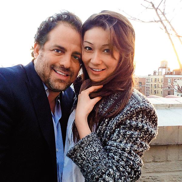 На фото Бретт Рэтнер и Марина Ким